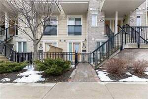 Immaculate 1 Bedroom Stacked Townhouse In Mississauga