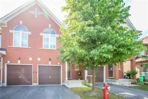 Beautiful Townhome For Rent In Highly Desirable Area Mississauga