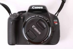 canon T3i + lentille 50mm en excellente état + carte memoire +