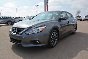 2016 Nissan Altima 2.5 SV Accident Free,  Heated Seats,  Back-up