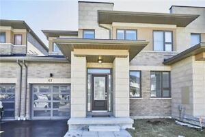 Newly Built Luxurious Exec Linked Home! 2000 Sqft, 3 Bed/3 Bath