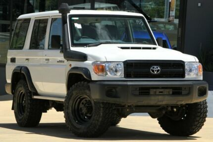 2017 Toyota Landcruiser VDJ76R Workmate French Vanilla 5 Speed Manual Wagon
