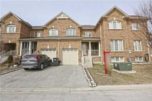 Gorgeous Executive Luxury Town House With Park On Front Of House