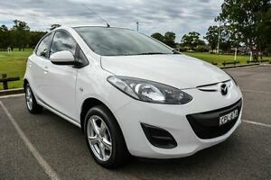 2013 Mazda 2 DE MY13 Neo White 5 Speed Manual Hatchback Wetherill Park Fairfield Area Preview