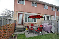 Updated Town Home in Hamilton OPEN HOUSE Sun 24 2-4 pm