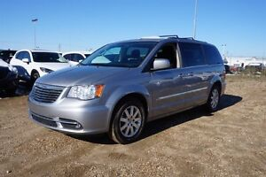 2014 Chrysler Town & Country TOURING Backup Cam,  A/C,