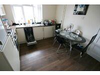 4 bedroom flat in Shield Street, Sheildfield, Newcastle Upon Tyne, NE2