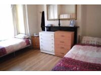 TWIN ROOM AVAILABLE IN PRIME LOCATION! £80 per person!