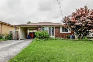 Beautiful Backsplit In Great Central Mountain Neighbourhood!
