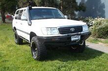 1999 Toyota Landcruiser FZJ105R (4x4) White 5 Speed Manual 4x4 Wagon Tuerong Mornington Peninsula Preview
