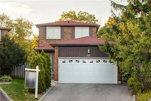 Home For Sale: Detached 2-Storey Home in Richmond Hill