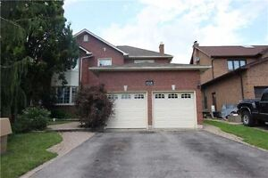 Spacious 4 Bedroom Executive Home Available For Rent in Whitby