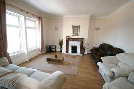 3 bedroom flat in Lawe Road, South Shields, NE33