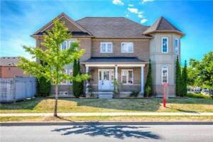 Large Corner Lot Detached Home 2007 Built In An Amazing Location