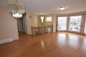 Beautiful 6 Bedroom Bi-Level in Key-hole Crescent!