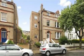 3 Bedroom Flat, just off Clapham Common, SW4