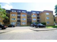 Large 1 bedroom flat in a quiet area located in stanmore