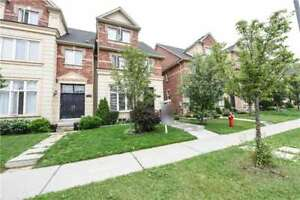 Executive Town House W/ 4 Bdrms In Churchill Meadows