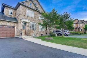 Fabulous! Freehold Linked Home Situated In Churchill Meadows!