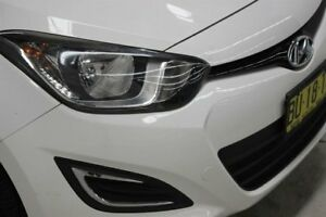 2013 Hyundai i20 PB MY13 Active White 6 Speed Manual Hatchback