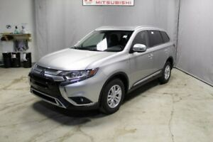 2019 Mitsubishi Outlander SE AWD 3RD ROW SEATING, BACK UP CAMERA
