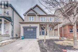 Beautiful house for rent - 5 mins walk from UOIT/Durham