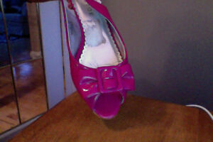 BRAND NAME SHOES SZ 8