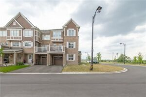 Appointed End/Corner 3 Beds Freehold Town Home In Milton