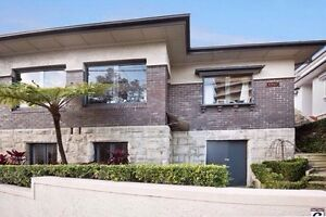 Large bdrm harbour views lots wardrobe/storage amazing house by beach Fairlight Manly Area Preview