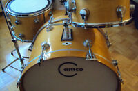 Drums, cymbals; vintage kit, new/neuf single drums.