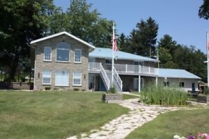 Executive St Lawrence home in the 1000 Islands