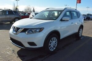 2015 Nissan Rogue S AWD Accident Free,  Bluetooth,  A/C,