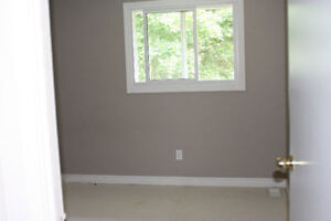$550 All inclusive room for rent in mature student house