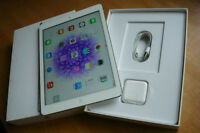 Ipad Air 16GB White like new in box ,Include smart case .