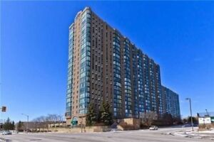 2+1 Bdrm Ground Unit With Huge Terrace In Cooksville