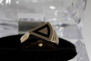 BRAND NEW 10K. SOLID GOLD. MADE BY ARTISAN BLACK ONYX RING