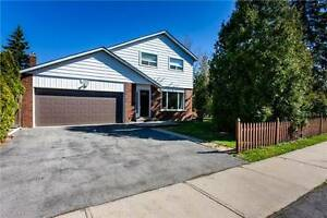 Spectacular Family Home Located In Sought After Clarkson Area