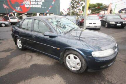 2000 Holden Vectra JS II CD Blue 4 Speed Automatic Hatchback Kingsville Maribyrnong Area Preview