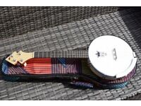 Duke 10 Banjo Ukulele - NEW with bag and extras