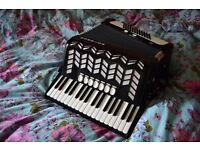 72 bass piano accordion excellent condition