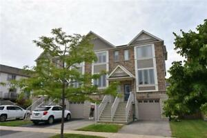 **GORGEOUS** 3 Storey Townhouse in Grimsby!!