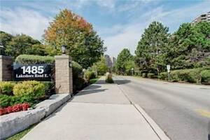 1 Br + Den Penthouse Suite (1000 Sq Ft) | Lakeshore Rd E
