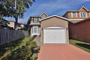 2-Storey Detached Home w/ Full Bsmnt in Clarkson