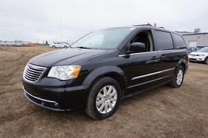 2015 Chrysler Town & Country TOURING 3.6L Only $143 bw