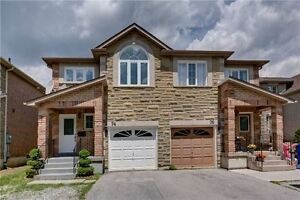 Absolutely Gorgeous Bright & Spacious In Sought After Oak Ridges