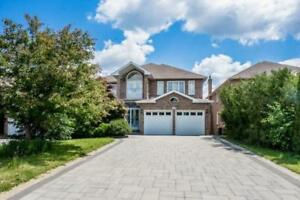 Marvelous House In Prime Location Of Richmond Hill @ Rockwell Rd