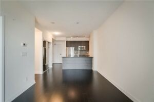 Gorgeous 1 Bed 1 Bath Condo in Square One Area