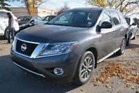 2013 Nissan Pathfinder SV AWD 3RD ROW SEATS Special - Was $29995