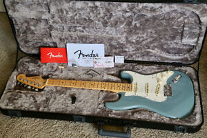 2017 Fender American Professional Series Stratocaster Sonic Gray