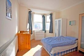 Room for 2 in HACKNEY! ALL BILLS INCL. - move in now